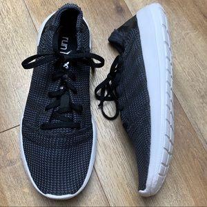 Adidas Run natural black sneakers tennis shoes 7